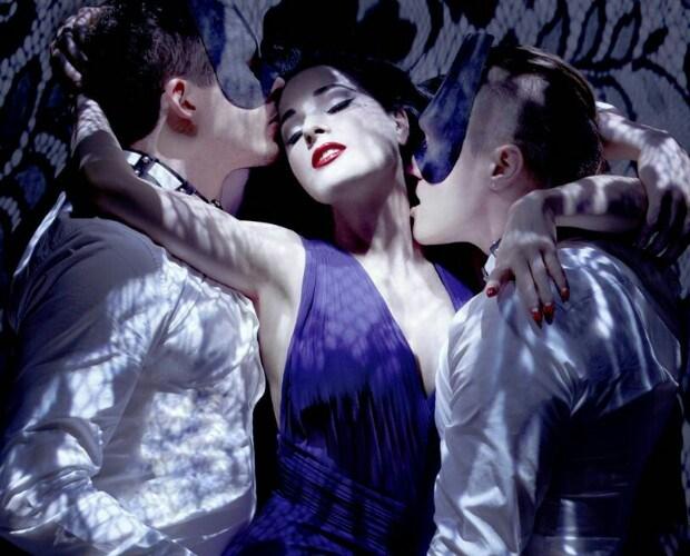 HIT DNIA: Monarchy ft. Dita von Teese –Disintegration